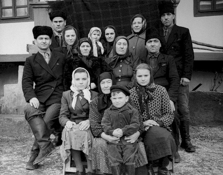 Basarabia de ieri în imagini: Colecţia de fotografii a lui Zaharia Cuşnir