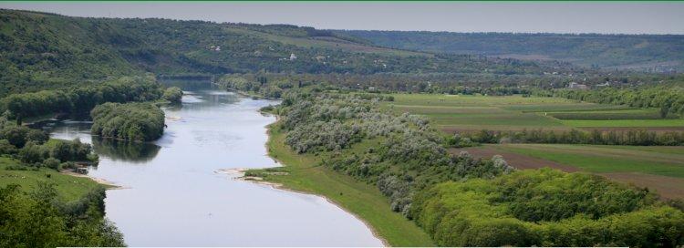 INVESTIGAȚIE/ Mitul calității apei din Nistru. Beneficiarii poluării