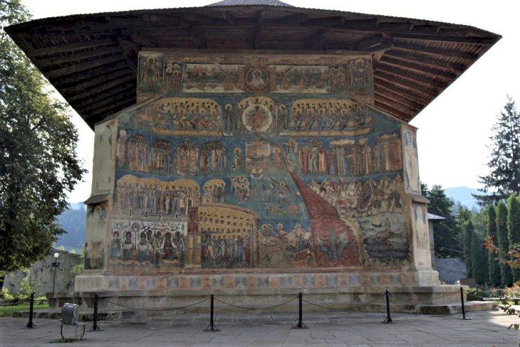 """Mânăstirea Voroneț – """"Capela Sixtină a Răsăritului"""""""