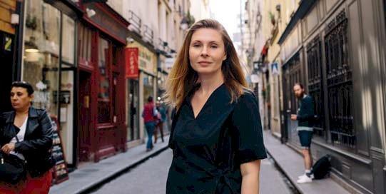 """Tatiana ŢÎBULEAC, prozatoare - """"Nu încerc să îmi explic succesul, dar nici să mă ţin de el…"""""""