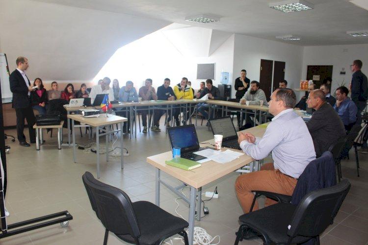 Instruire organizată în cadrul proiectului. Foto: FB/RenastereaRurala