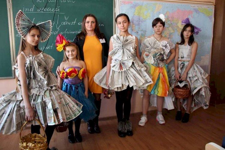 Profesoara Irina Ciorba-Halupa formează elevilor abilități de reciclare