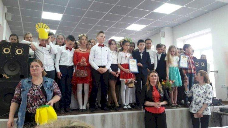 """La sfârșitul uneia dintre multiplele activități extrașcolare desfășurate la Liceul """"N.Donici"""" din Dubăsarii Vechi"""