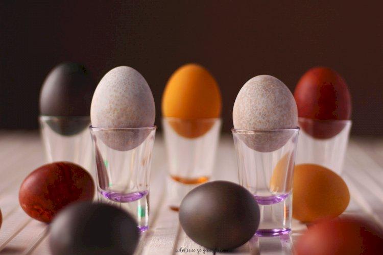 Regulile de aur ale bunicii: vopsitul ouălor în mod natural