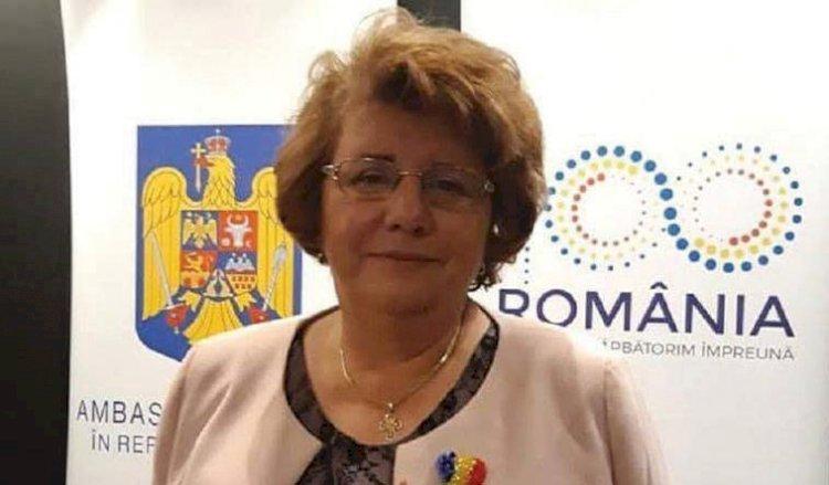 Profesoara care dăruiește limba română