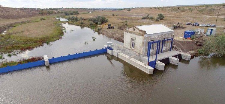 Hidrocentrală pe un râu fără apă