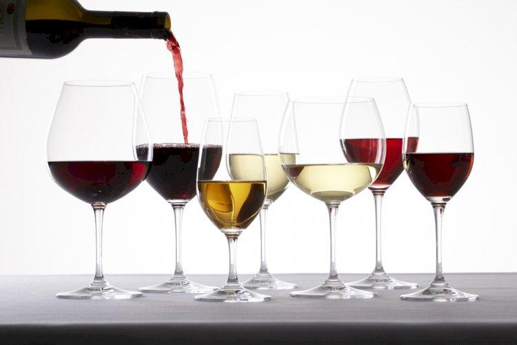 Cele mai frecvente întrebări ale cititorilor iubitori de vin