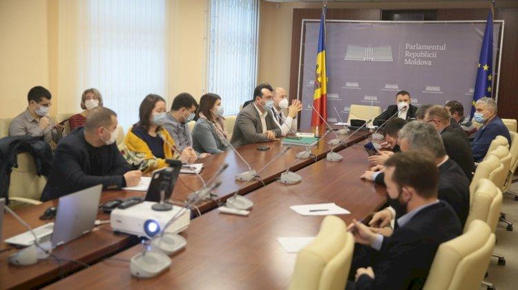 Deputat: Inacțiunea autorităților statului a dus la agravarea situației în gestionarea substanțelor minerale utile