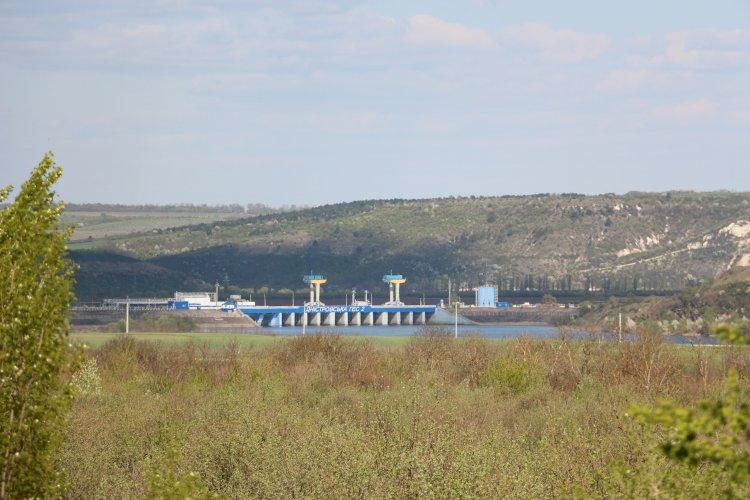 Barajul nostru vândut de guvernanți