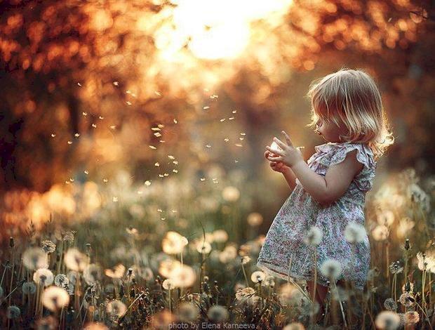 Un copil e un înger printre noi