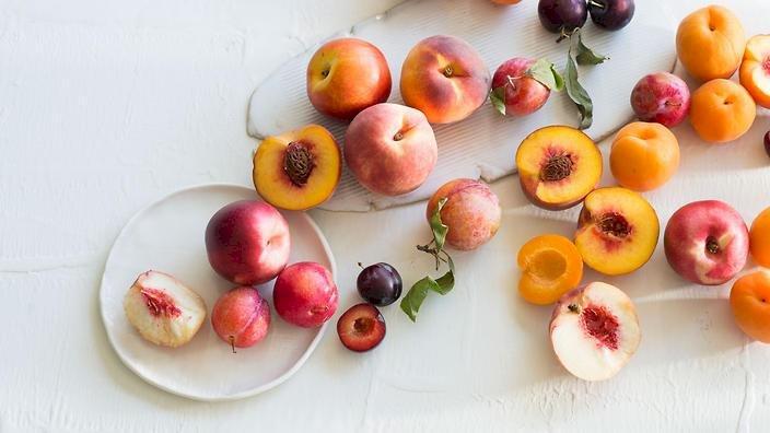 Deliciile verii – piersici, caise şi nectarine