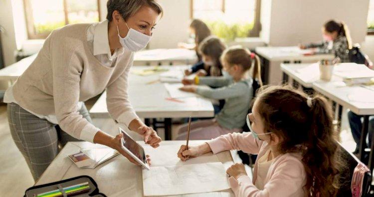 Cum se salvează profesorul de la criza... pandemică